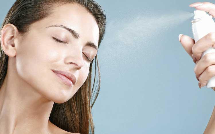15 Merk Face Mist Terbaik Agar Makeup Kamu Awet Sepanjang hari