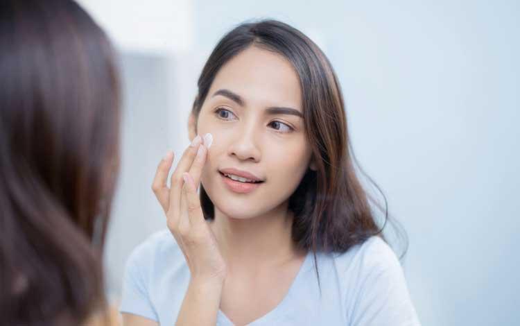 15 Rekomendasi Skincare Untuk Remaja