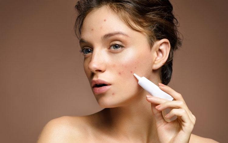 Skincare penghilang bekas jerawat