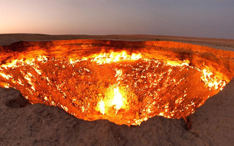 Gerbang Neraka Darvaza Gas Crater