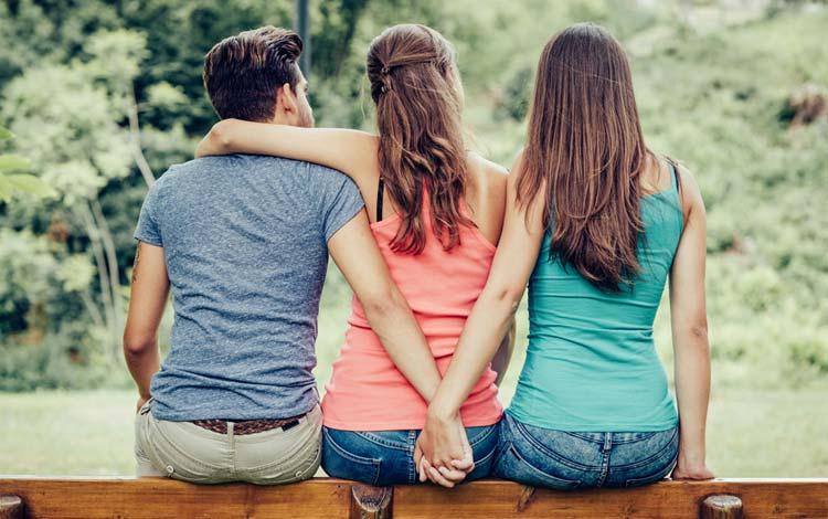 Berbagai Alasan Cowok Selingkuh dan Cara Menyikapinya